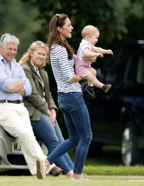 Bon, c'est pas tout ça, mais Kate aimerait jouer au polo elle aussi
