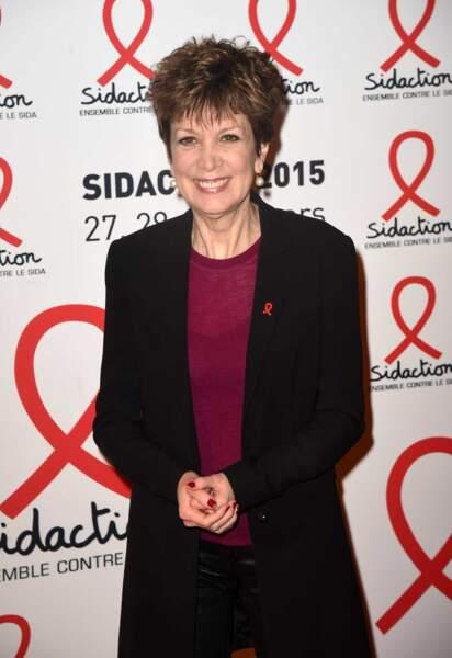 Catherine Laborde, souriante, lors de la conférence de presse du Sidaction le 2 mars 2015