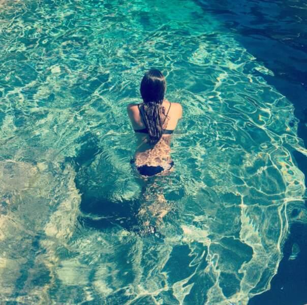 Plouf, c'est l'heure de la pause piscine pour Lea Michele.