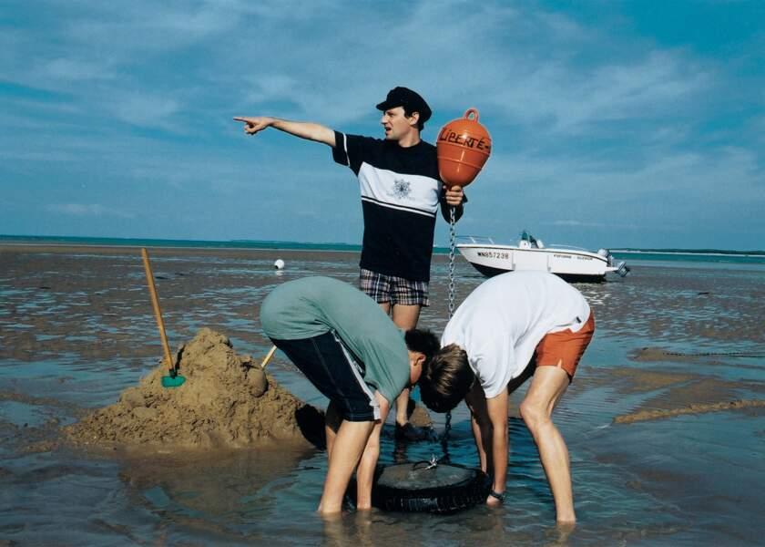 ....quand on vit au bord de la mer, c'est avec la casquette de marin et le sweet assorti