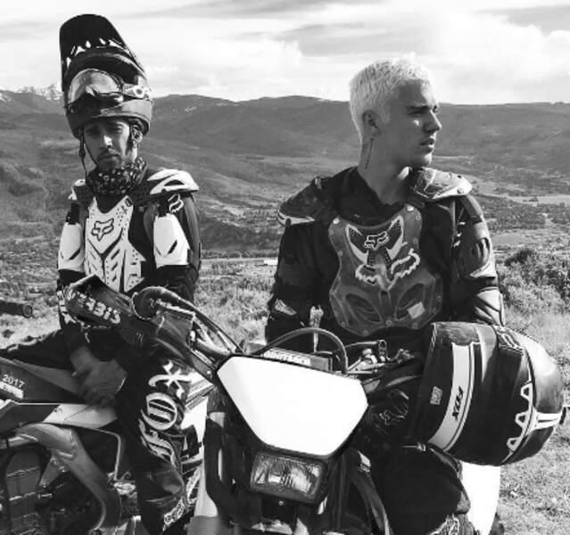 Bromance forever : billard, surf, moto... Lewis Hamilton et Justin Bieber font tout ensemble (ou presque).