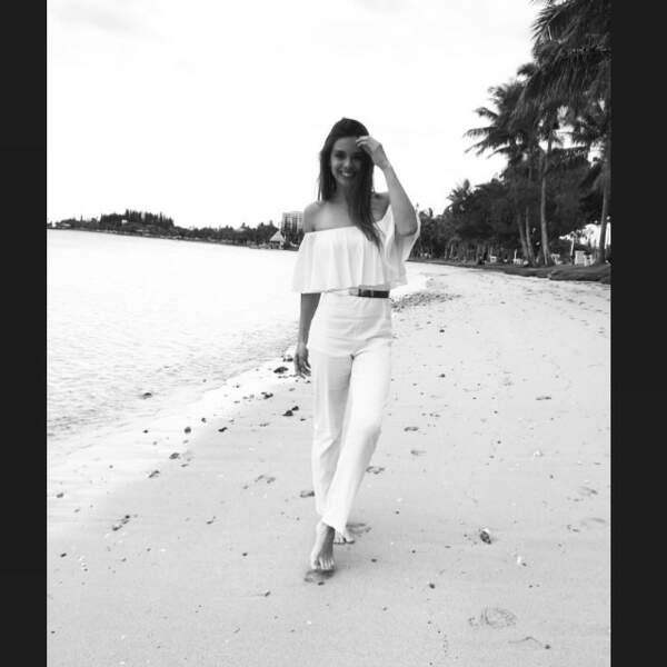 Marine Lorphelin a préféré prendre des photos en noir et blanc sur la plage