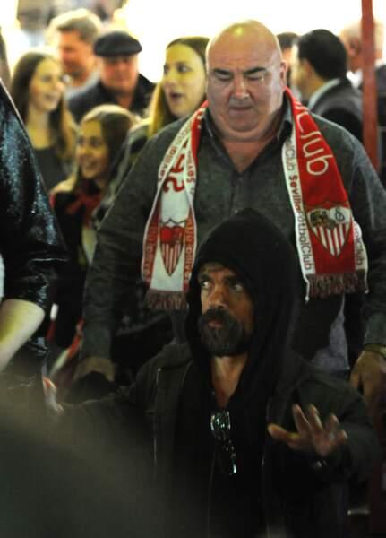 Les acteurs, actuellement en tournage à Séville, ont assisté au match Séville/Barcelone, dimanche 6 novembre.