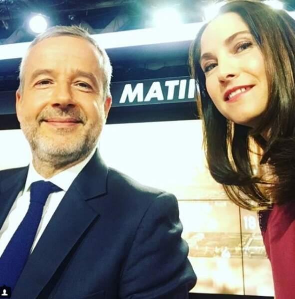 Clélie est très complice avec son co-animateur, Romain Desarbres