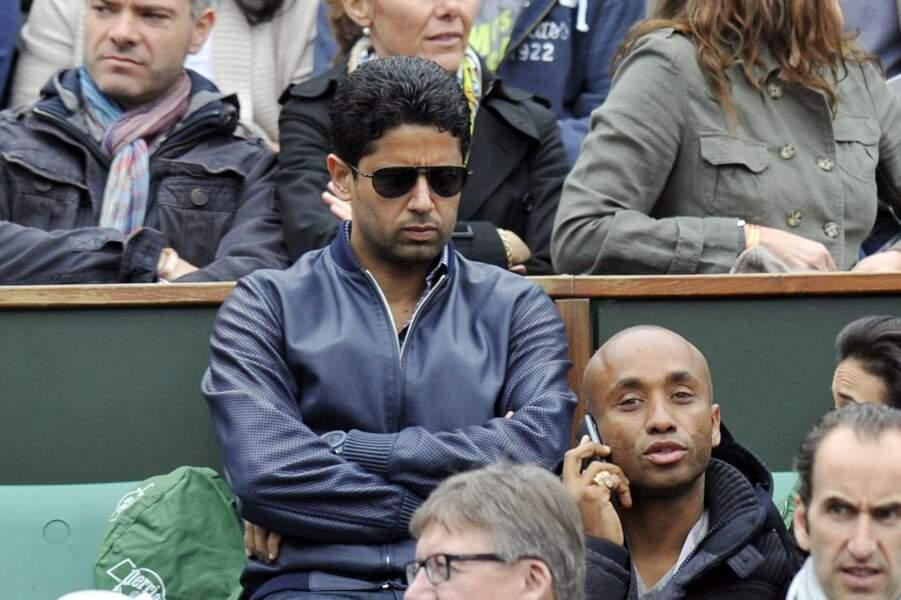 Nasser Al-Khelaifi continue à se cacher à Roland-Garros plutôt que de chercher un nouvel entraîneur pour le PSG.