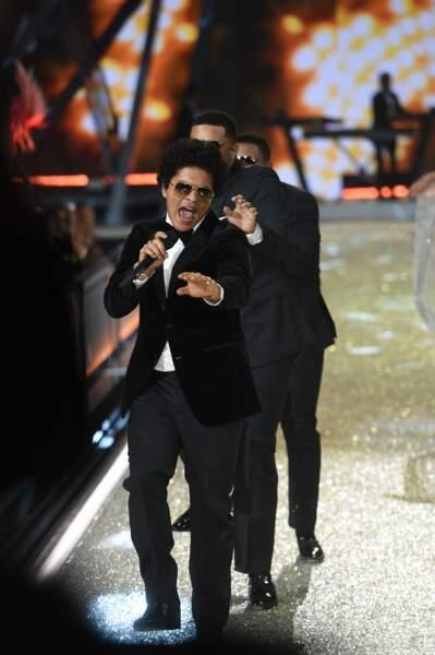 Côté musique, le public a pu compter sur Bruno Mars...