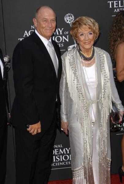 Jeanne Cooper était très proche de son fils, l'acteur Corbin Bernsen.