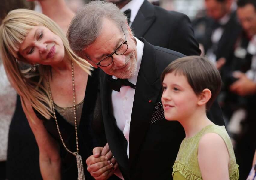 Steven Spielberg aux petits soins de son actrice, la jeune Ruby Barnhill