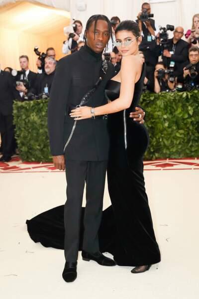 Ensemble depuis avril 2017,Kylie Jenner est tombé enceinte après 3 semaines de romance avec le rappeur Travis Scott