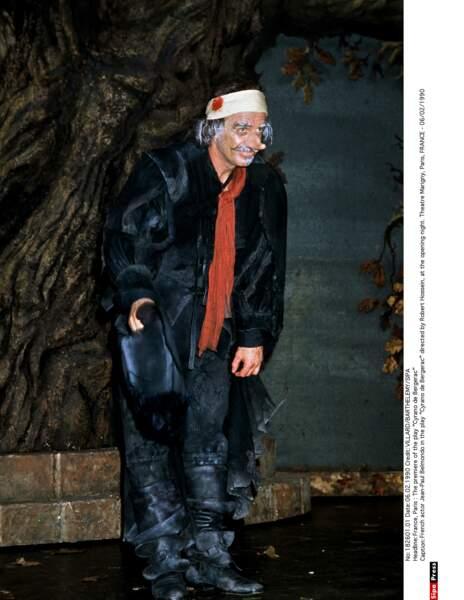 1989 : Jean-Paul Belmondo  monte sur les planches pour interpréter Cyrano de Bergerac