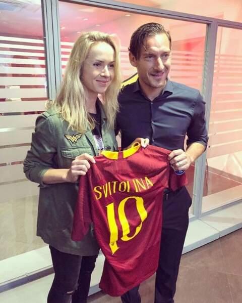 ... mais également le football, comme en témoigne sa rencontre avec la star italienne Francesco Totti