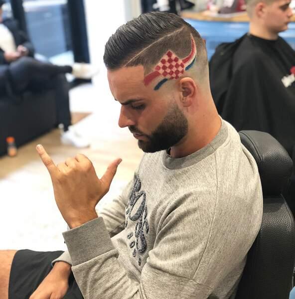 Dorénavant plus soigné, il parade régulièrement sur les réseaux sociaux avec ses nouvelles coiffures !