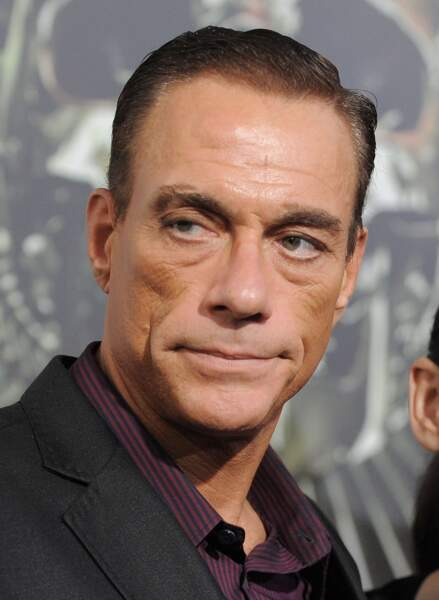 Bon ce qu'il y a, c'est que Van Damme figure au casting d'Expendables 2, où il incarne un terroriste...