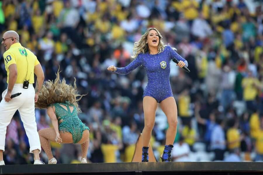 Attention, ce n'est pas J-Lo mais Claudia Leitte, la chanteuse brésilienne !