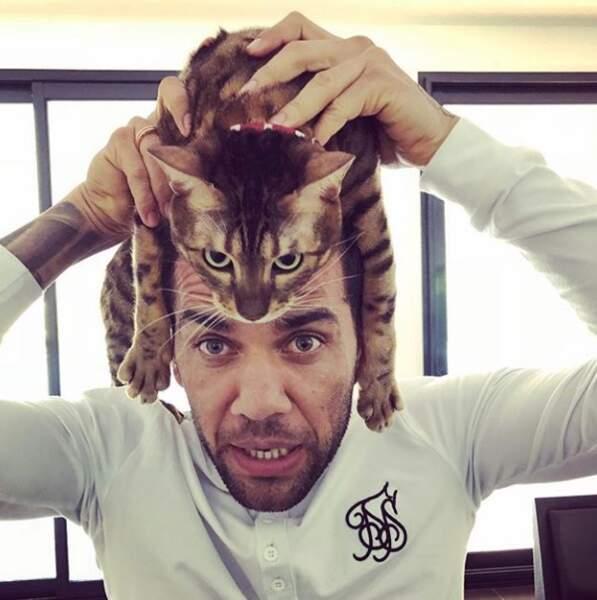 Dani Alves très proche de son chat