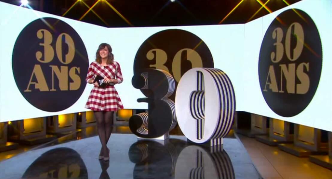 On valide aussi la jolie robe de Daphné Bürki ! Beaucoup mieux que son fail mode de la semaine passée...