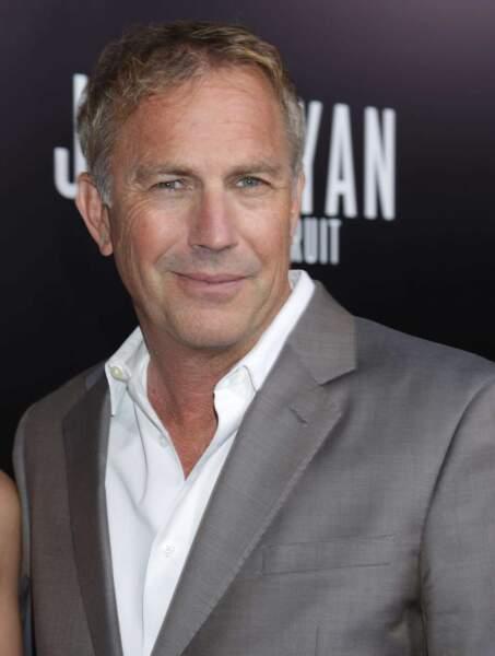 """Kevin Costner : Quasiment absent dans les années 2000, le beau """"Bodyguard"""" a fait un come-back remarqué en 2013."""