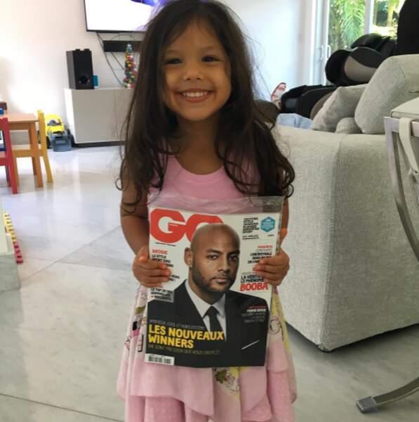 La petite Luna était super fière de son papa, Booba, en couverture de GQ.