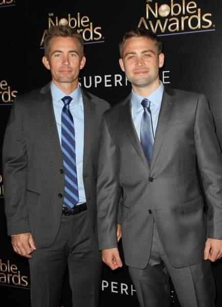 Après le décès de Paul Walker, les 2 frères de ce dernier, Caleb et Cody, ont joué les doublures pour finir le film