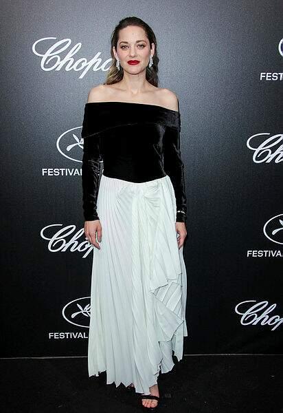 Ambiance noir et blanc pour Marion Cotillard