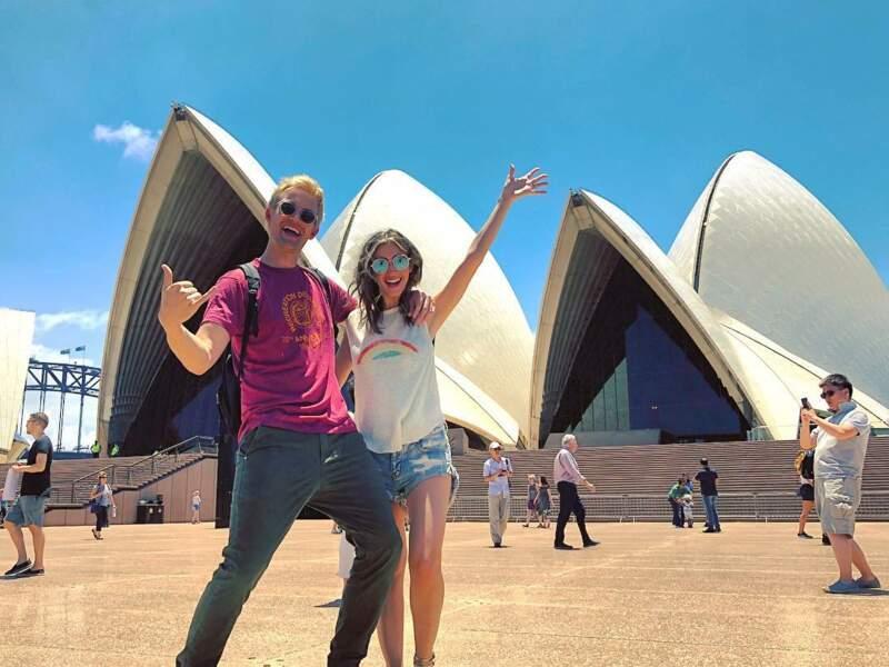 Avec Tyler Hilton et leur tournée, ils parcourent le monde