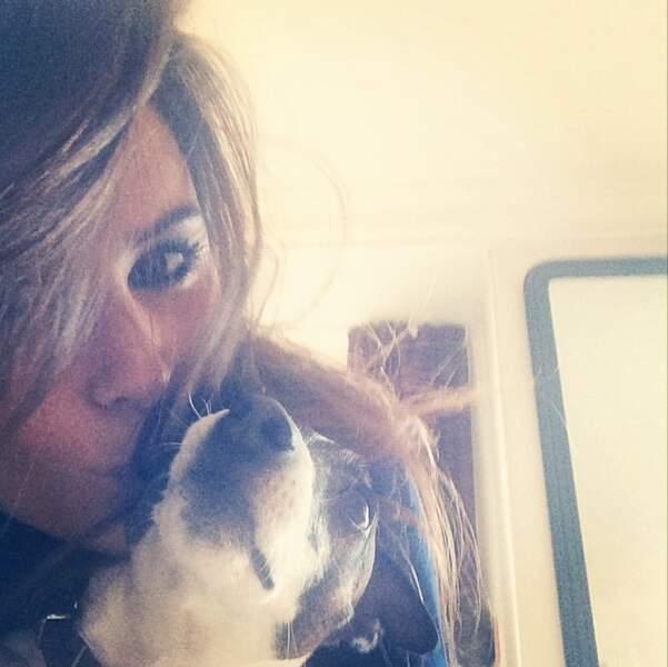 Sympa ce selfie avec un chien de Karine Ferri