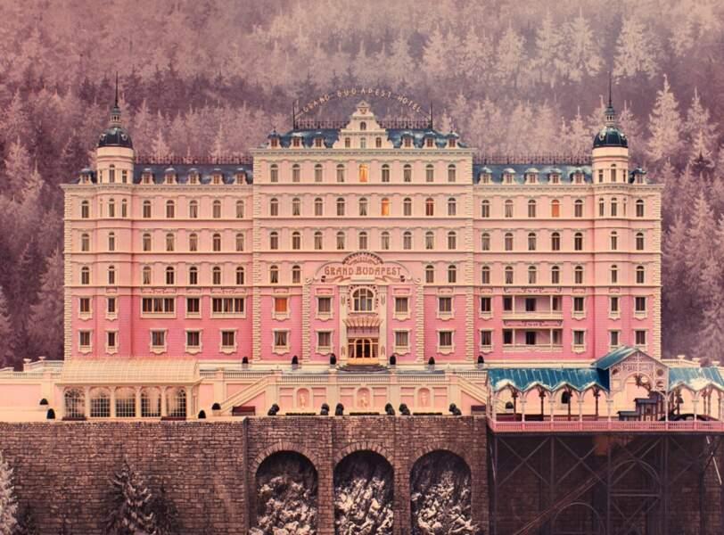 Décor baroque pour The Grand Budapest Hotel de Wes Anderson (2014)