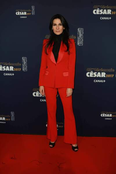 La présentatrice Marie Drucker, en rouge et noir !