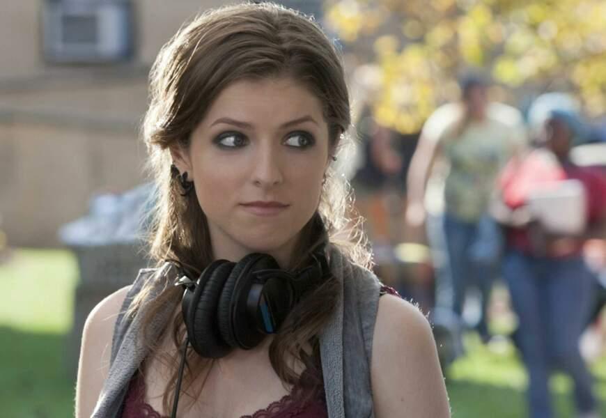 Elle deviendra ensuite l'une des stars des films Pitch Perfect