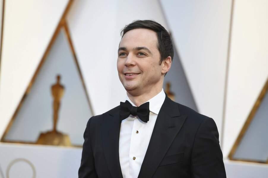 L'acteur Jim Parsons est plus classe en tenue de soirée qu'avec les tee-shirts de Sheldon