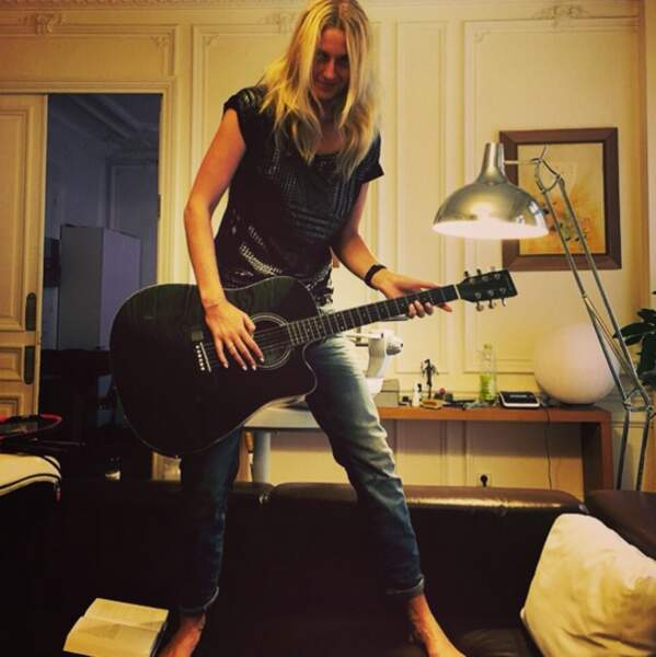Branchez les guitares...