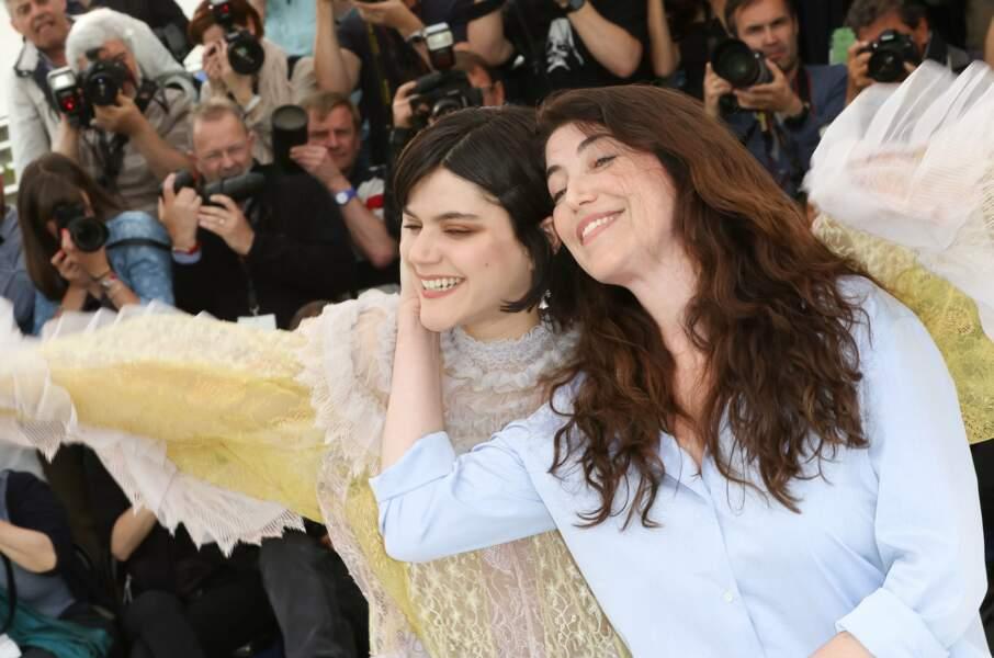 Le film est réalisé par Stéphanie Di Giusto (à droite) et est porté par la jeune Soko (à gauche)