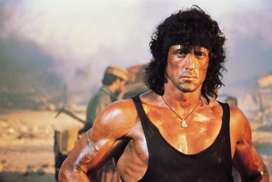 Rambo III (1988) : Sylvester Stallone est énervé parce qu'il n'a pas trouvé de débardeur à sa taille