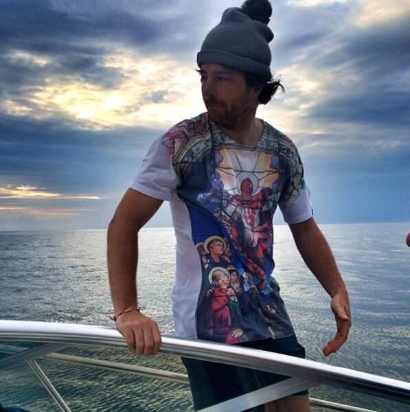 ... pendant que son chéri, Jean Imbert, est sur un bateau !