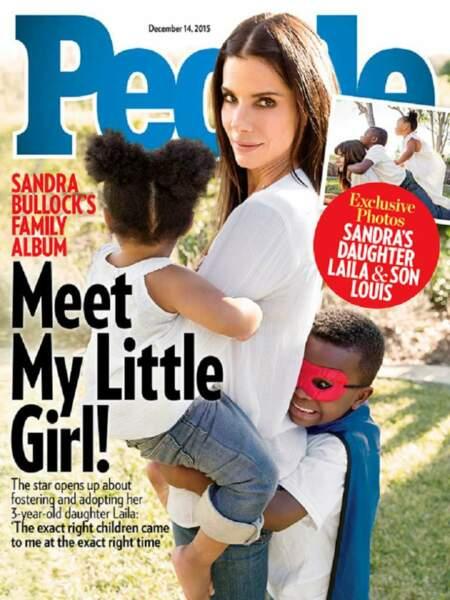 Sandra Bullock : elle présente ses deux enfants Laila et Louis en couverture du magazine People en 2015.