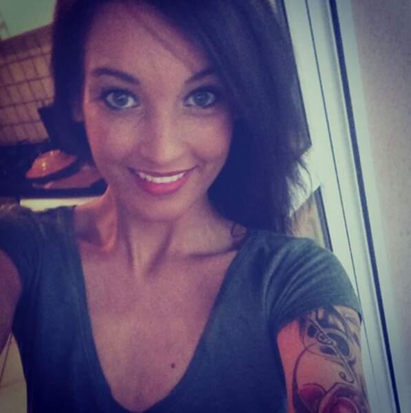 Aurélie Dotremont, elle, est carrément devenue brune. Vous aimez ?