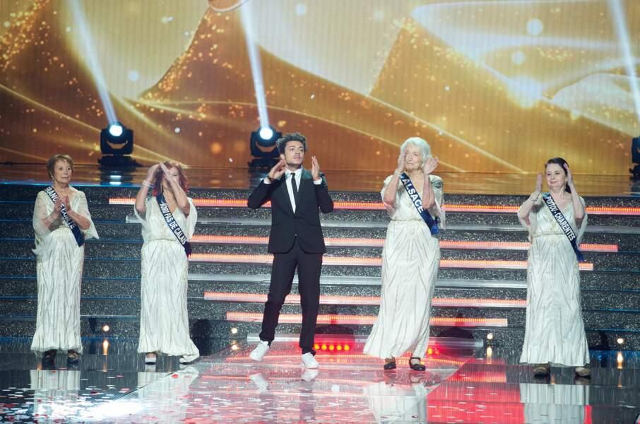 Kev Adams a fait son show, bien entouré d'anciennes Miss régionales