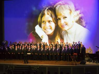 Décès de Carrie Fisher et Debbie Reynolds : stars et fans unis à Los Angeles pour leur rendre hommage