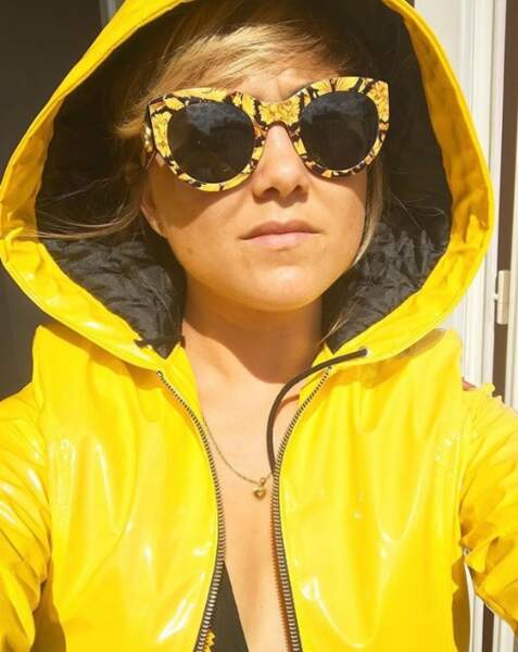 Et n'oubliez pas la tenue de rigueur en ce moment : lunettes pour le soleil, ciré pour les orages.