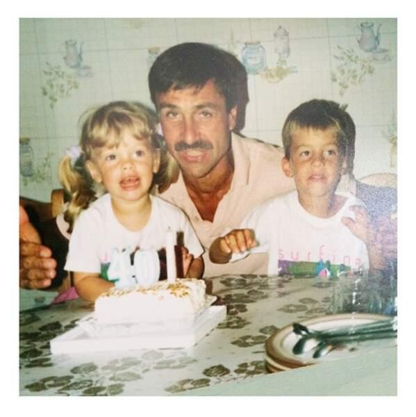 La blogueuse a aussi posté cette photo souvenir avec son papa, aujourd'hui paralysé