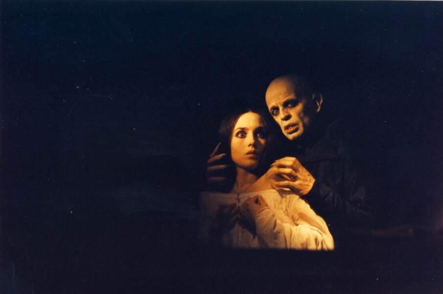 Elle joue Lucy Harker dans Nosfératu, fantôme de la nuit de Werner Herzog (1979).