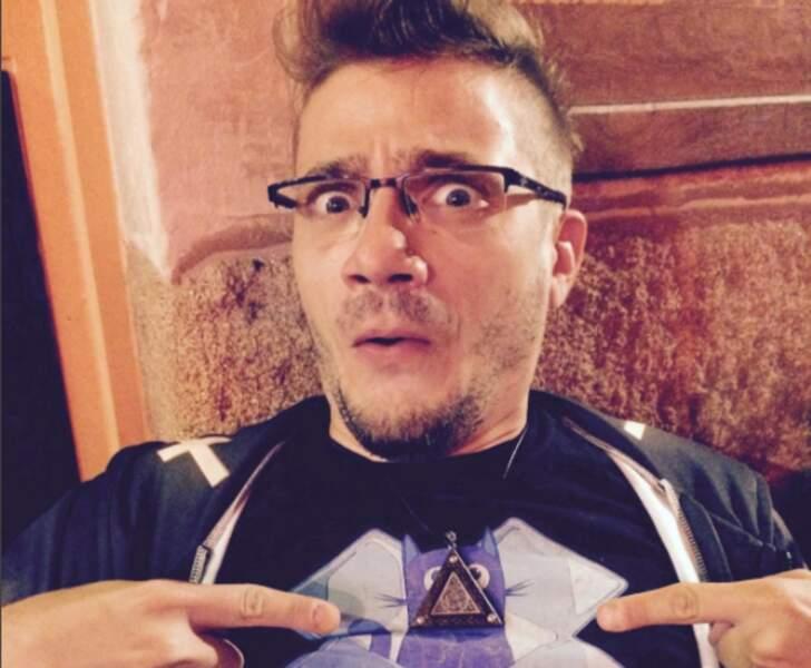 """Et voici Mathieu Sommet, l'interprète de l'émission culte """"Salut Les Geeks"""""""