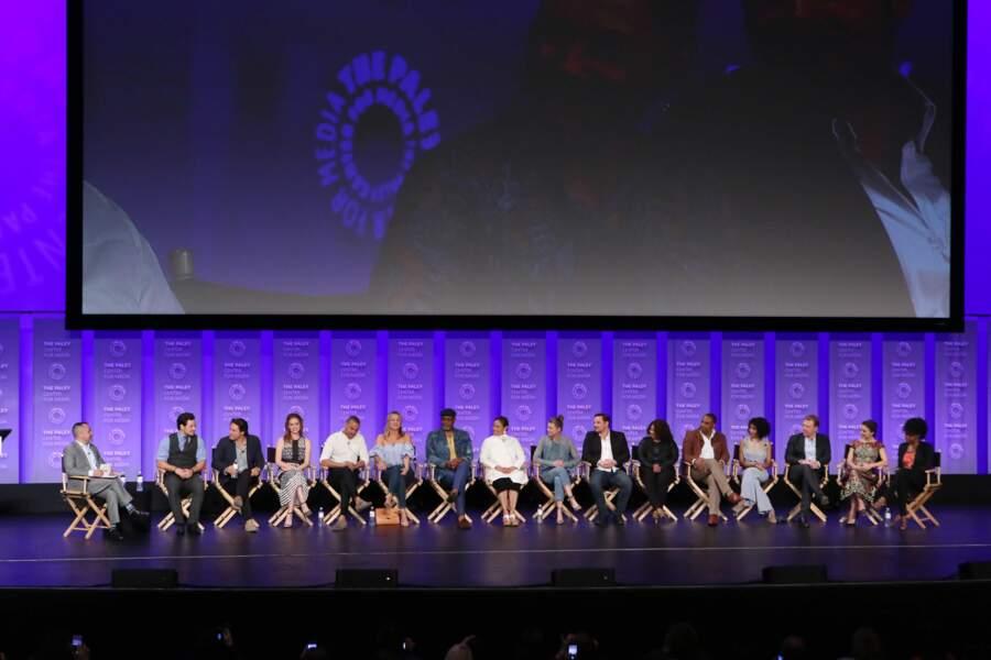 L'équipe de Grey's Anatomy était réunie au Paley Festival dimanche 19 mars. Ça fait du monde sur scène !