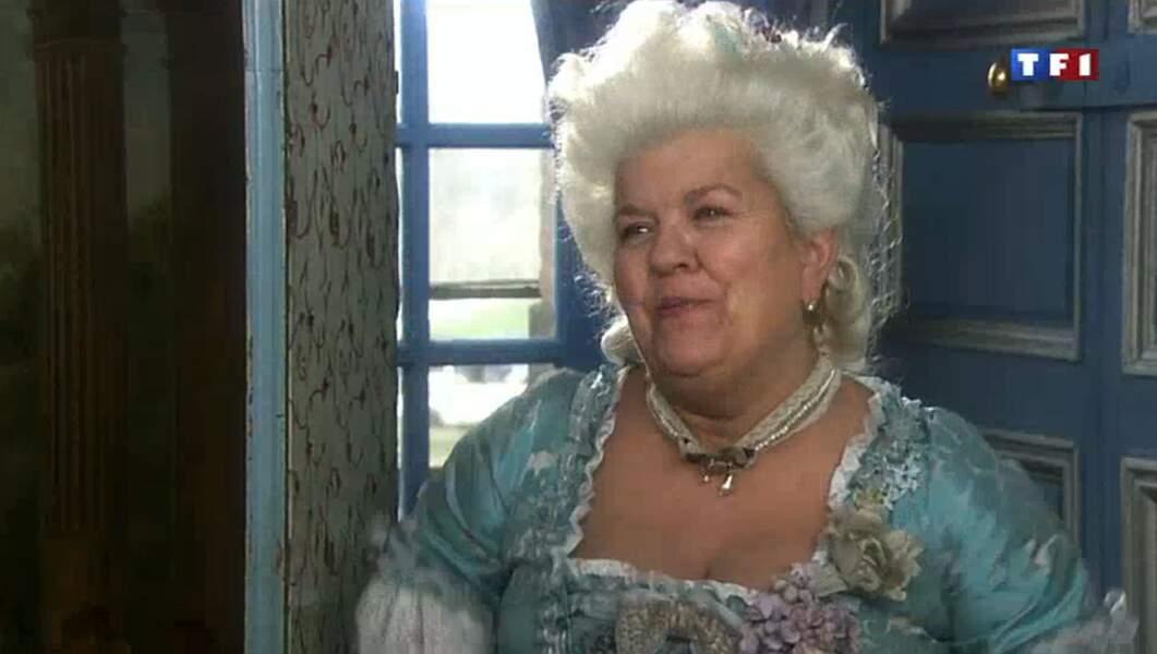 Et le meilleur pour la fin : Mimie Mathy en mode courtisane de Marie-Antoinette !