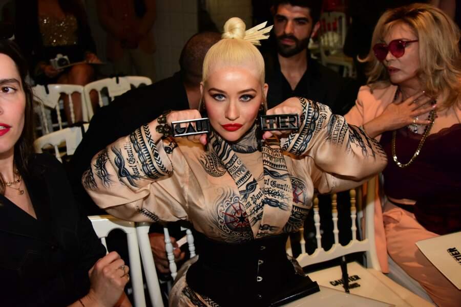 Christina Aguilera a sorti sa plus belle tenue et ses plus belles bagues