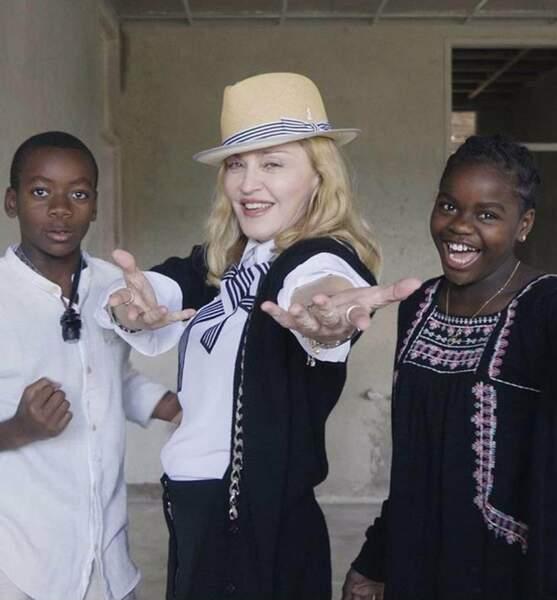 Madonna adopte David Banda et Mercy James en 2006 et 2009.