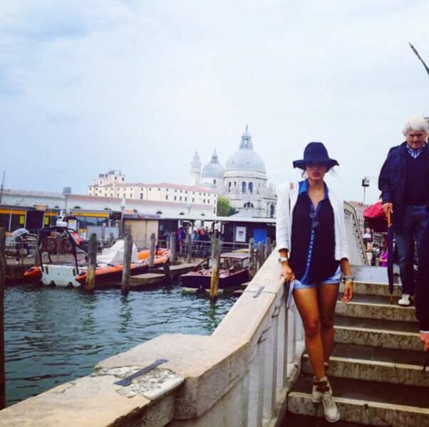 Aussi jolie sur les quais de Venise ...