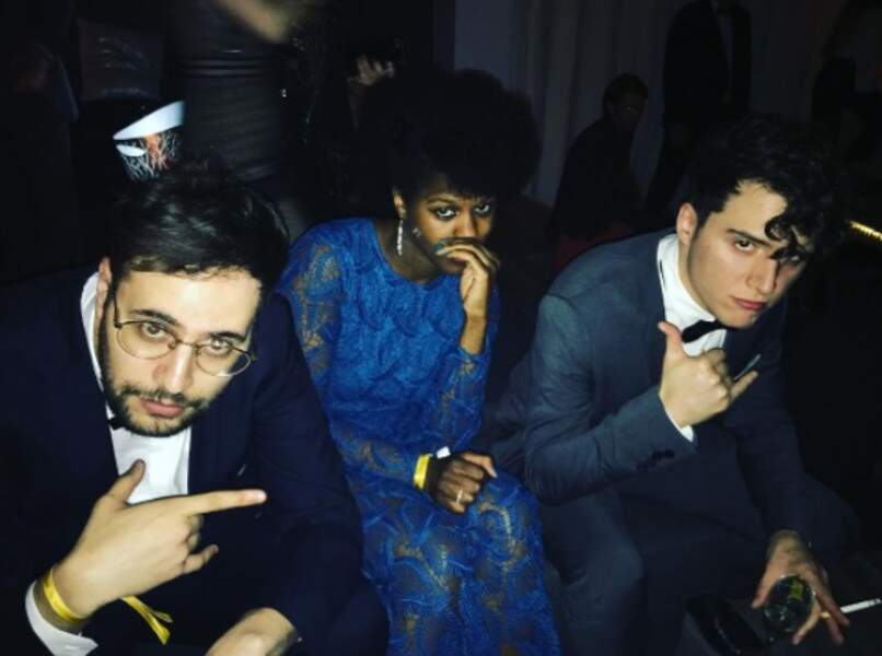 Le YouTubeur Hugo Tout Seul (à gauche) avec les comédiens Fadily Camara et Hakim Jem