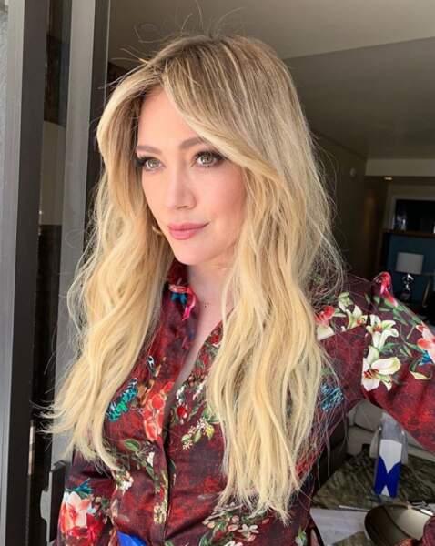 Hilary Duff est fière de sa chevelure... et on la comprend !