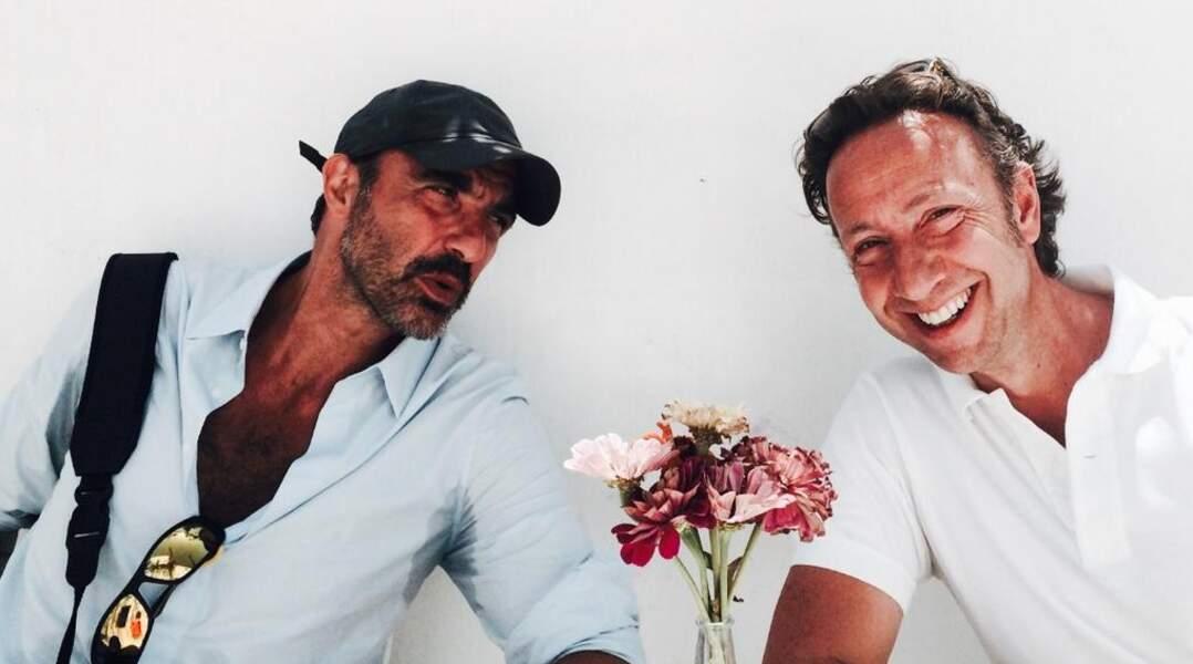 Nikos et Stéphane Bern se détendent à Paros...